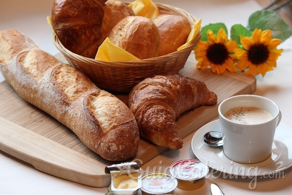 ¿Qué desayuno es más saludable y completo?