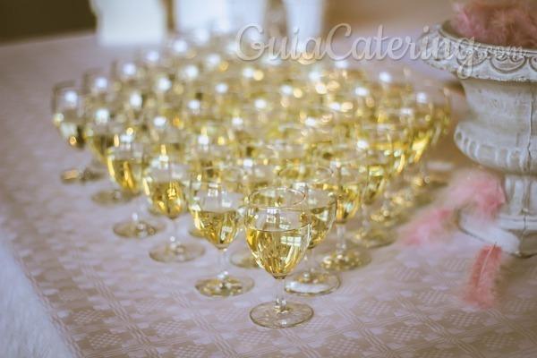 Mitos sobre el vino blanco y por qué servirlo en tu evento