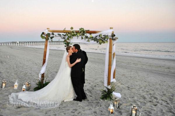 Matrimonio Simbolico En La Playa : Cómo organizar una boda en la playa guiacatering