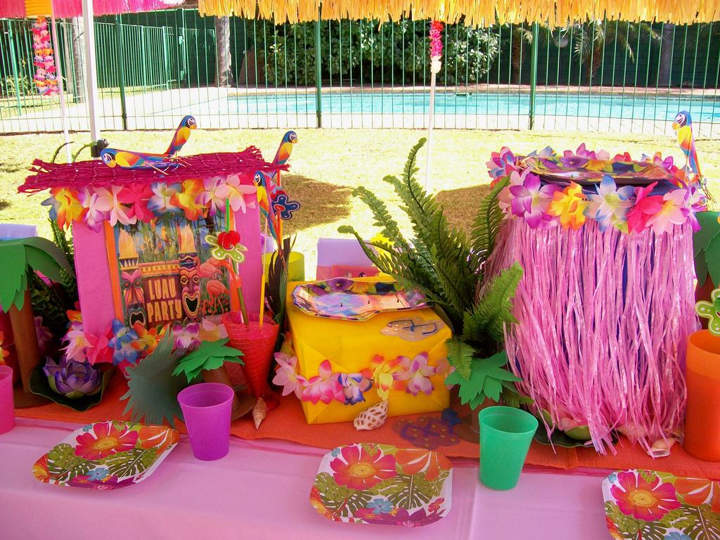 Реквизит для гавайской вечеринки