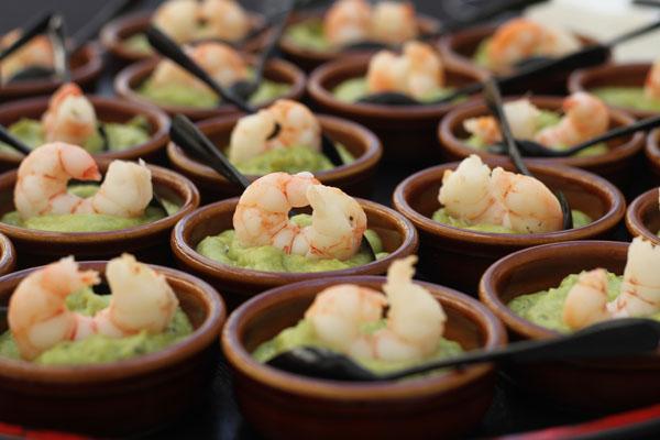 catering-malena-guacamole-con-langostino