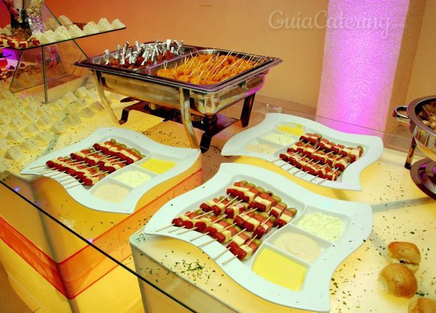Catering con luces abril